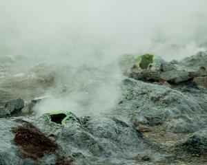 IJsland-en-zwavelsteen